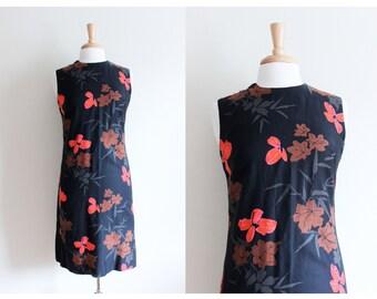 1960s Dress / Vintage Black Floral Dress / 60s Floral Dress