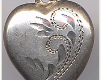 Vintage Sterling Puffy Heart Charm Swirls    Item No: 14507
