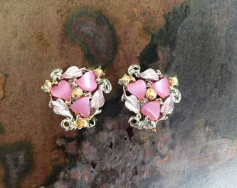 Vintage leaf clip on earrings with pink lucite stones-vintage costume jewelry