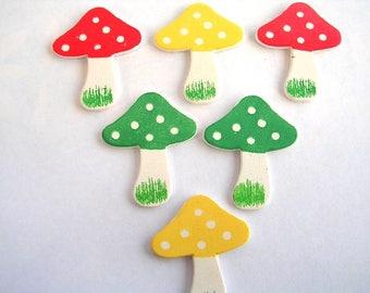 LOT 6 wood Motif APPLIQUES: mushroom green/yellow/rg 25 * 30 mm