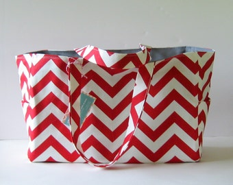 Chevron Diaper Bag, Chevron tote, Personalized tote bag, 6 pockets, Waterproof lining, zipper/monogram/diaper clutch option, custom colors