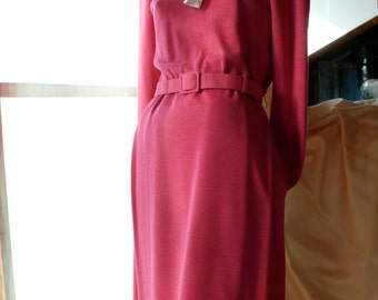 """DARK PINK """"CiAO"""" Pure Wool Designer Dress with shoulder pads, beautifully lined, poly removable collar with many, many  fine features//70's"""