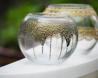 Round Vases Centerpieces with Moroccan Bohemian Indian Style Henna designs