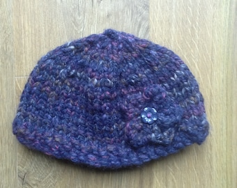 Chunky beanie hat with flower