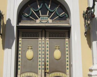 Doors in Estonia