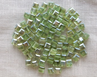 30 Electroplates green faceted glass cube beads transparent 4mm LBP00185E