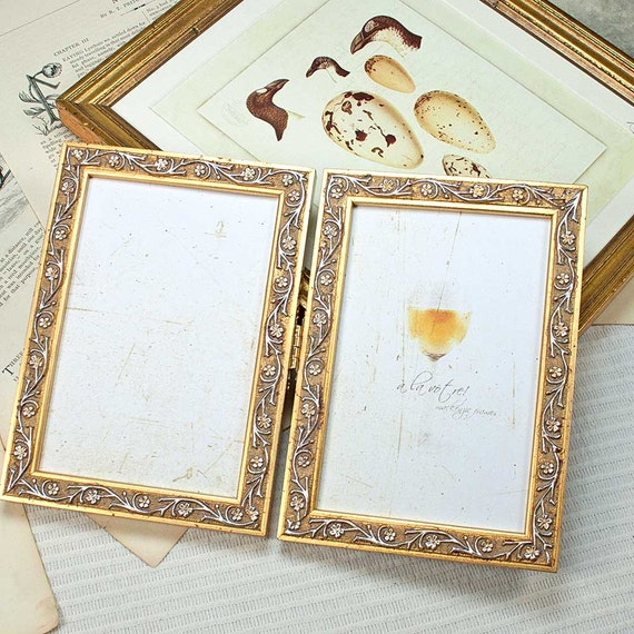 5x7 inch Narrow Gold Hinged Double Frame Vine-leaf Motif for