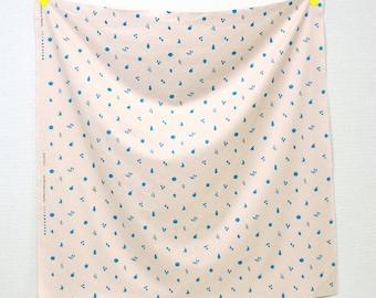 nani IRO Fruity Pocho – Cream Cotton Flannel