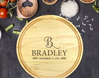 Personalized Cutting Board Round, Cutting Board Personalized, Wedding Gift, Housewarming Gift, Anniversary Gift, Last Name, B-0070