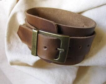 Subtle light brown leather bracelet handmade