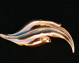 Copper Leaf Pin Brooch Simply Elegant Vintage