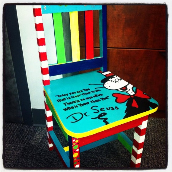 Exceptionnel Items Similar To Childrenu0027s Dr. Seuss Chair On Etsy