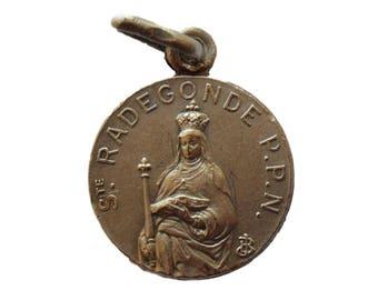 Saint Radegonde - Queen of Franks - French  Religious Medal Pendant Charm  - Religious Gift