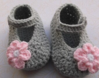 crochet baby shoes; crochet Mary Janes; handmade baby shoes, baby girl shoes, grey baby booties, flower baby shoes; ready to ship, uk seller