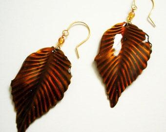 Boucles d'oreilles faits à la main avec automne Dangle laisse sur le fil d'or