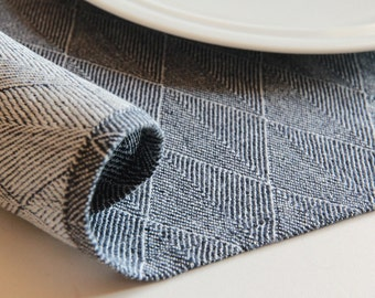 A set of 2 elegant placemats - pure linen - minimalist style modern table linens - table decoration | 0080