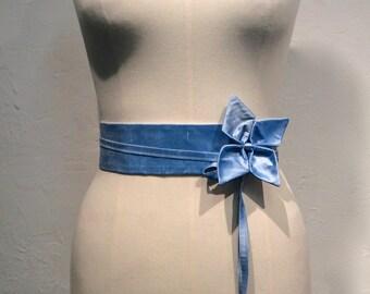 High waist light blue silk belt.