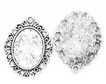 medium oval cabochon pendant