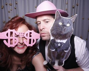 Wedding Photo Prop - Photo Booth Prop - Picture on Stick - Wedding Photo - Wedding Favor - Wedding Party Photo - Fun Photo -Picture on Stick