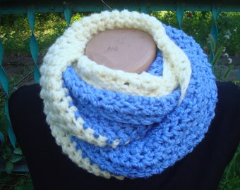 Chunky Cowl Infinity Scarf, Warm Blue Cream Women Scarf, Crochet Womens Fashion Cozy Scarf, Winter Accessories, Gift for Her, Soft Scarf