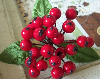 Vintage Millinery / Lacquered Holly Berries / Bouquet / Corsage