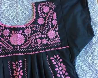 Mexican MAMA embroidered dress med-lg/tunic dress/mexico dress med-large