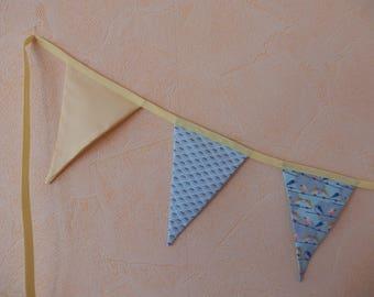Guirlande 9 fanions en coton pour décoration chambre bébé/jeunes enfants. Pièce unique. Collection Balão Màgico