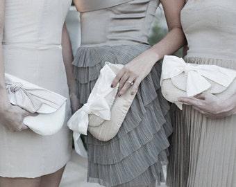 Ivory Wedding Clutch. Neutral Wedding. Nude Clutch. Blush Bridesmaid Clutch. Bridesmaids Gifts. Personalized Clutch. Envelope Clutch