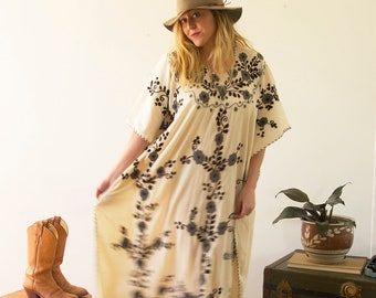 Vintage Mexican Embroidered Caftan