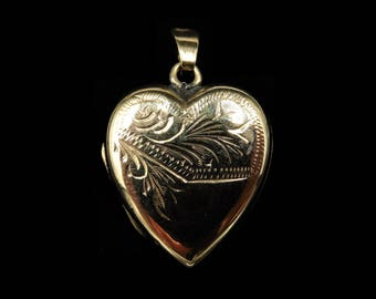 Antique Victorian 9ct 9K Yellow Gold Engraved Heart Photo Locket Pendant | Hand Engraved Filigree | 375 Yellow Gold Back and Front Necklace