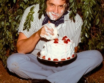 """Johnny Cash Cake Photo for the Back Cover of the """"Strawberry Cake"""" Album - 5X7 or 8X10 Photo (AA-851)"""
