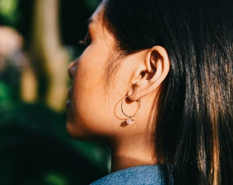 Handmade Round Hammered Hoops with Herkimer Diamonds / / Delicate Gemstone Wire Hoop Earrings in Sterling Silver or 14k Gold Fill