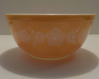 Pyrex Glass Mixing Bowl Butterfly Yellow Gold #403 2-1/2 qt.