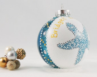 Beach wedding ornament - Hand painted personalized glass ball - Sea Star