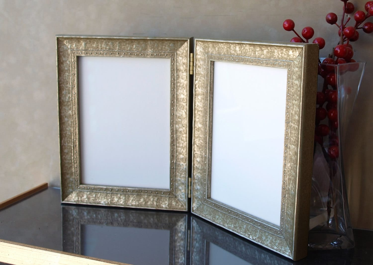 Studded Embossed Double Hinged Photo Frame Or Triple Hinged