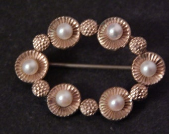 Vintage Gold Filled Pin with Pearls