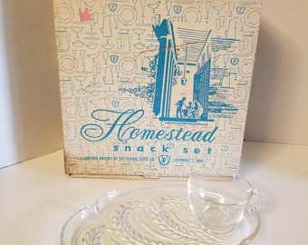 Federal Glass Homstead Snack Set 4 Plates 4 Cups VC93