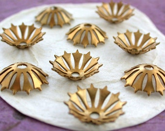 Brass Stampings, Brass Flower Stampings, Metal Stamped Flowers, Vintage Metal Flowers, Vintage Style Metal Flowers STA-126