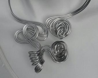 Contemporary thread of aluminum twist necklace