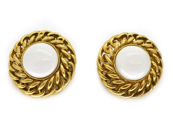 Vintage 1980s Chanel Gold Chain Faux Pearl Clip On Earrings