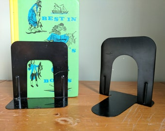 Pair of Black Mismatched Industrial Book Ends, Metal, 5.25-5.5 Inches Tall, Library Book Holders, Office Organization