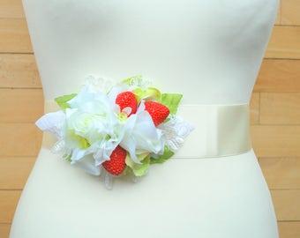 White Rose Red Strawberry Bridal Belt Sash, Bridal Flower Sash, Strawberry Weddings Accessories, White Red Green Bridal Sash, Photo Prop