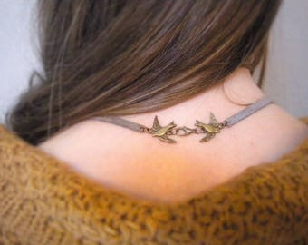 Bohemian necklace, leather and chains, clasp in bronze metal swallows
