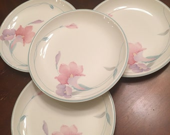 Noritake Keltcraft Misty Isle Collection Mendocino Salad Plates (Set of 4) Pink & Lavender Flowers Floral