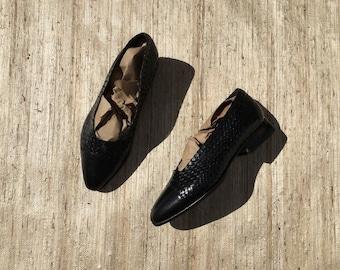Black Leather Woven Pumps | 90s vintage | minimalist | Stephane Kelian Paris | french designer | size 6 | size 5
