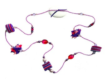 Felt necklace, Czech crystal and acral resin Ref: CL 026