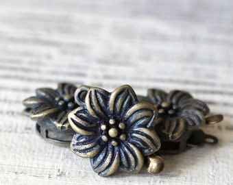 Antiqued Brass Flower Clasp - Jewelry Making Supply - Brass Findings - 14mm (1 clasps)