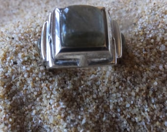 Moss Agate and Sterling Silver Ring....... Size 8