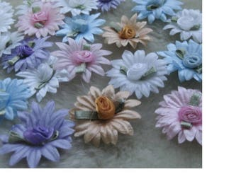 Set of 5 flowers to glue or sew in polyester satin appliques