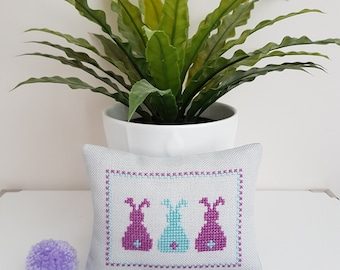 Handmade Pincushion - Pincushion - Pinkeeper - Decorative Pincushion - Patchwork Pincushion - Sewing Accessory - Xmas Sewing Gift - Sewing